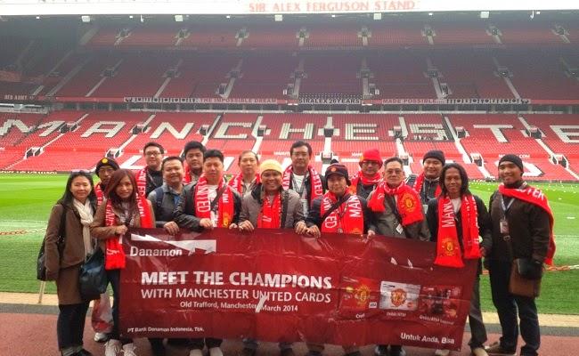 Gembiranya Nasabah Danamon Nonton Langsung Big Match Manchester United Melawan Liverpool di Old Trafford