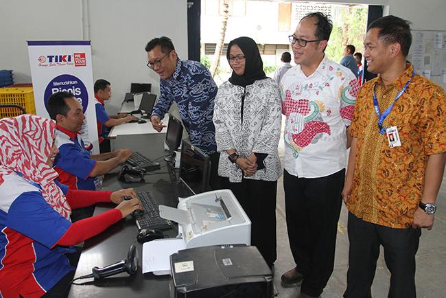 Para Direksi TIKI; Titi Oktarina (Direktur Utama), Tomy Sofhian (Direktur Pelaksana), Rocky Nagoya (Direktur Komersial) dan Ahmad Ferwito (Direktur Operasional) beserta direktur TIKI lainnya meresmikan Station dan Sales Counter baru di TIKI Fatmawati (28/11),  Jakarta Selatan. Peresmian ini diharapkan dapat memperluas jangkauan jaringan dan pemasaran TIKI di Jakarta dan menuju luar Jakarta. Distribusi dan pengiriman barang ke konsumen juga akan semakin baik dan cepat.