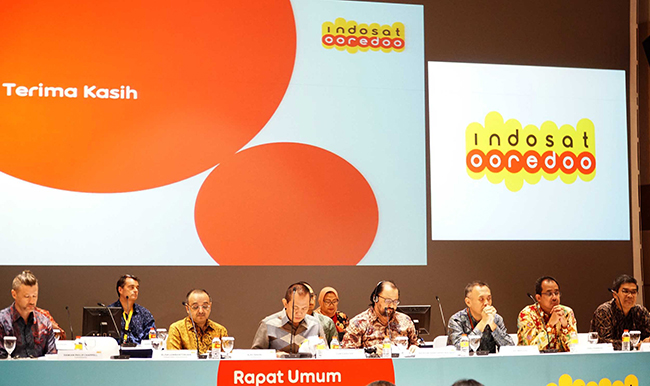 Jajaran Komisaris dan Direksi Indosat Ooredoo saat Rapat Umum Pemegang Saham Luar Biasa di Jakarta, Selasa (14/11).