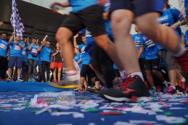 Suasana acara Inspirasi 60 Tahun Astra #4STRARUNNERS yang diikuti oleh lebih dari 2.000 pelari di Astra Biz Center BSD, Minggu (12/11).