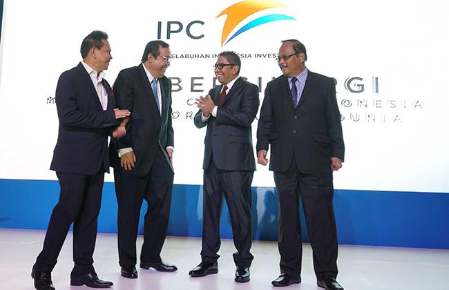 (dari Kiri -kanan ) : Direktur Utama PT Pelabuhan Indonesia Investama - Randy Pangalila , Direktur Keuangan PT Pelindo II/IPC & Komisaris Utama PT Pelabuhan Indonesia Investama , Iman Rachman , Direktur Utama PT Pelindo II - Elvyn G Masassya  serta  Komisaris PT Pelindo II,  Andhi Nirwanto berbincang seusai  peluncuran anak perusahaan baru yang bergerak khusus di bidang investasi bernama PT Pelabuhan Indonesia (PII) di Jakarta, Senin (11/12). Komposisi kepemilikan modal dari PT Pelabuhan Indonesia Investama (PII) adalah 99% milik IPC dan 1% milik PT Multi Terminal Indonesia yang juga merupakan salah satu anak perusahaan IPC.Anak perusahaan ke 17 dari IPC ini memiliki visi menjadi perusahaan investasi yang terkemuka di sektor kepelabuhanan dan pendukungnya yang bertujuan untuk menciptakan nilai yang maksimal bagi stakeholders melalui standar pengelolaan yang berkelas dunia. Hingga 2022 PII diproyeksikan mencapai asset sebesar Rp 11,7 T dengan Return on Equity (ROE) sebesar 16%.